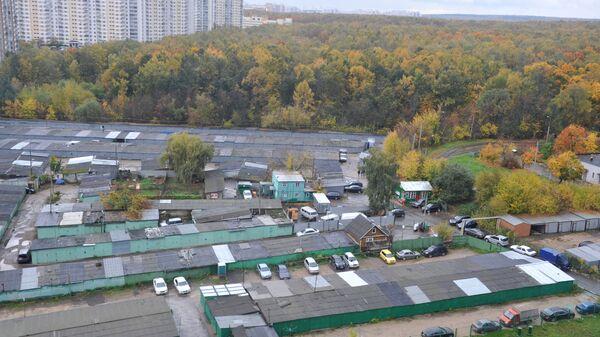 Гаражные кооперативы у Битцевского лесопарка в Москве