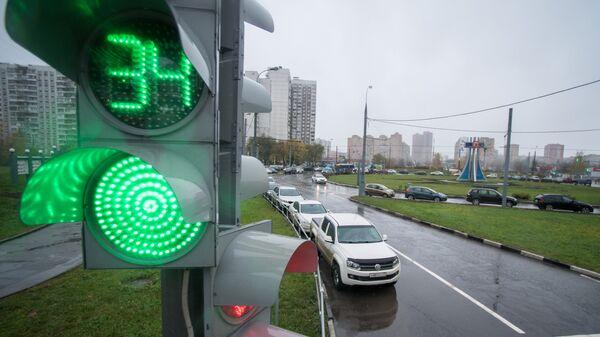 Круговое движение на пересечении Новокосинской и Городецкой улицы в Москве