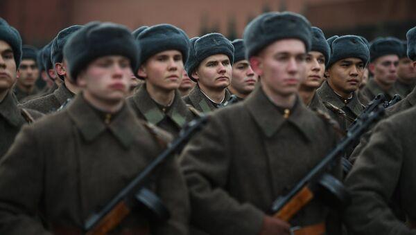Советские воины. Архивное фото
