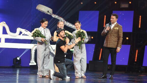 Тимур Родригез и участники международного конкурса Ты супер! Танцы