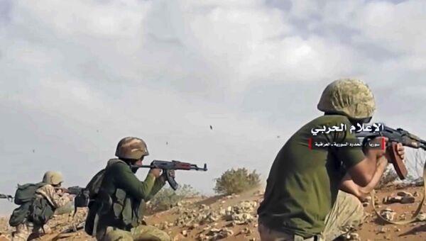 Сирийская армия ведет обстрел позиций боевиков в районе сирийско-иракской границы