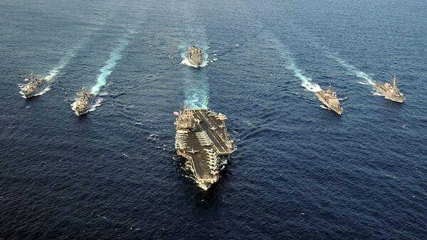 Американская ударная авианосная группа во главе с USS Enterprise (CVN 65) в Атлантическом океане