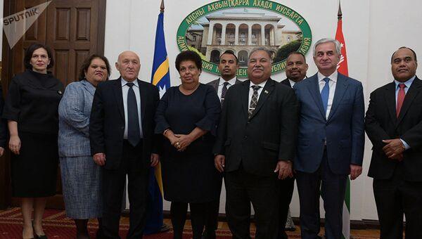 Президент Республики Науру Барон Вака во время посещения Абхазии. 12 ноября 2017