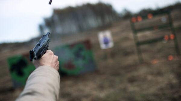 Стрельба из пистолета АПС в рамках выставки Интерполитех-2015
