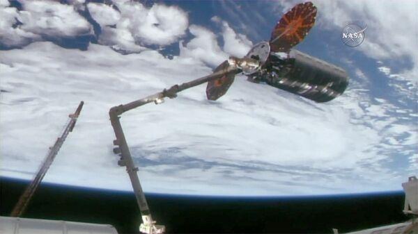 Роботизированная рука Canadarm2