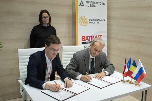Подписание контракта между компанией СТОД (Россия) и Wennerth Wood Trading ApS (Дания)