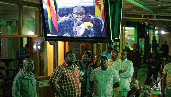 Телеобращение президента Зимбабве Роберта Мугабе к нации. Архивное фото