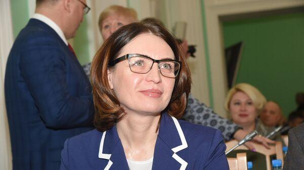 Избранная мэром города Омска, глава минэкономики Омской области Оксана Фадина. 22 ноября 2017