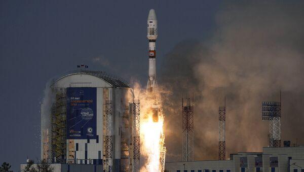 Старт ракеты-носителя Союз-2.1б с космическим аппаратом дистанционного зондирования Земли Метеор №2-1 и с 17 иностранными аппаратами с космодрома Восточный. Архивное фото