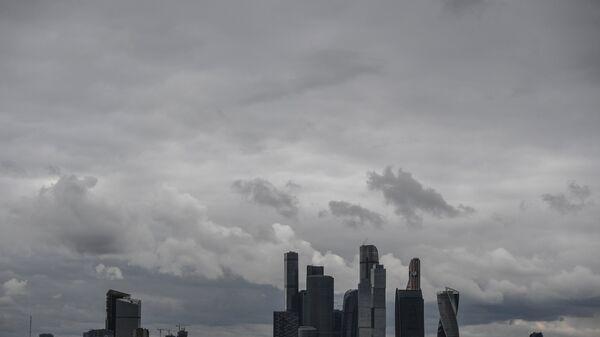Облачная Москва. Архивное фото