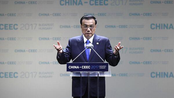 Премьер Госсовета КНР Ли Кэцян. Архивное фото