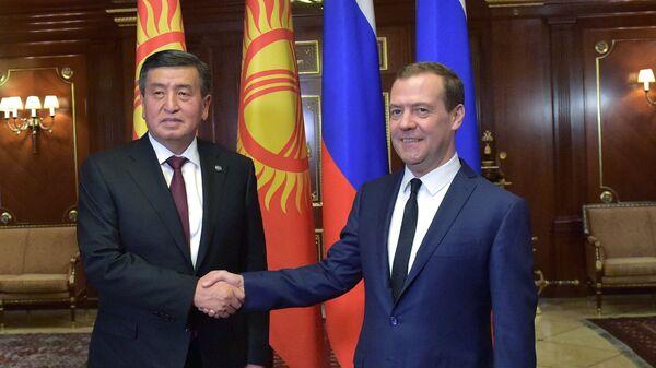 Премьер-министр РФ Дмитрий Медведев встретился с президентом Киргизии Сооронбаем Жээнбековым. 29 ноября 2017