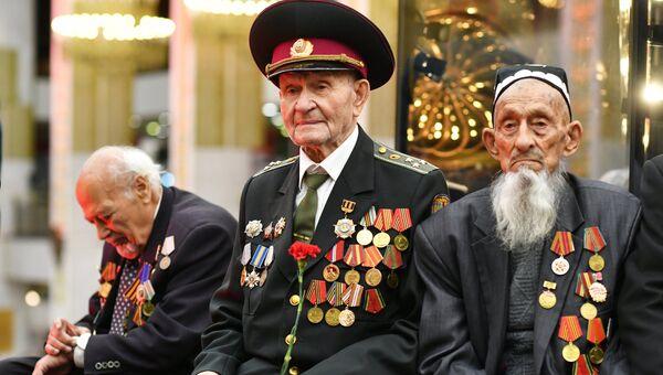 Ветераны на Балу Победителей в Центральном музее Великой Отечественной войны на Поклонной горе в Москве. Архивное фото