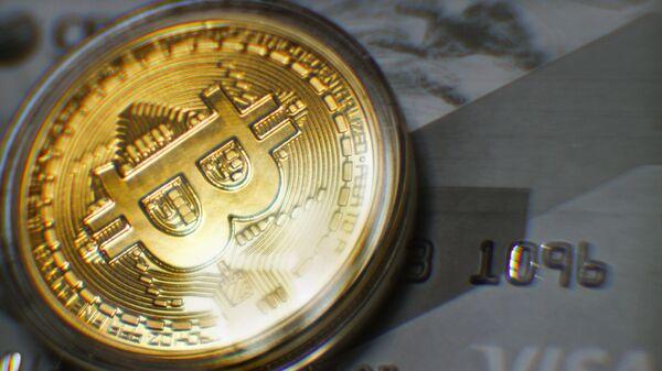 Стоимость биткоина достигла $12 тысяч впервые с августа 2019 года