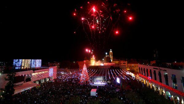 Церемония освещения рождественской елки в городе Вифлеем