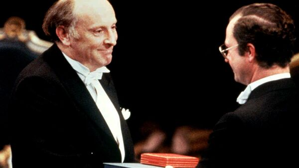 Иосиф Бродский на вручении Нобелевской премии по литературе. 10 декабря 1987