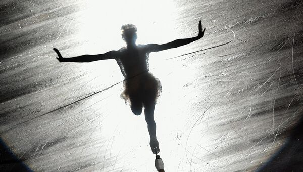 Мария Сотскова участвует в показательных выступлениях после финала Гран-при по фигурному катанию в японской Нагое
