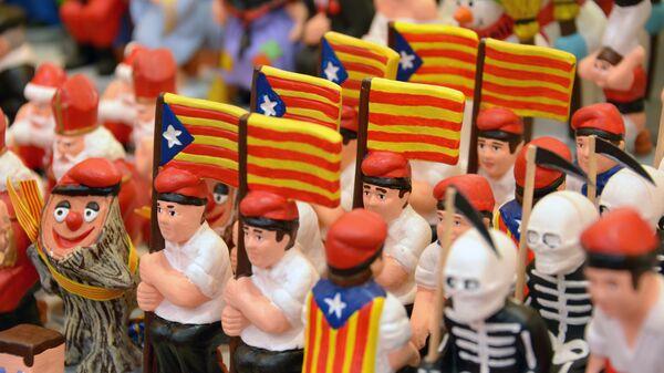 Глиняные фигурки с флагами Каталонии