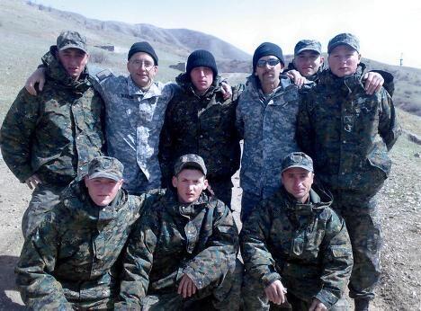 Грузинские солдаты с американскими инструкторами во время обучения в горах