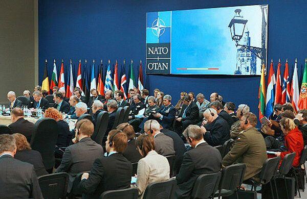 Заседание Совета НАТО. Архив