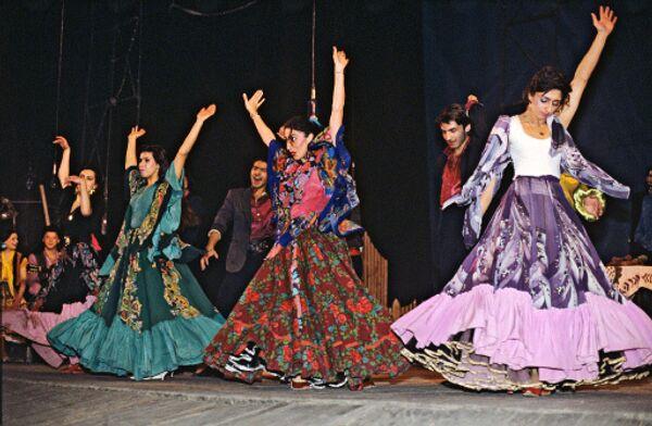 Цыганский театр Ромэн. Сцена из спектакля Грушенька
