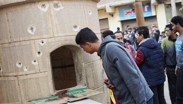 У коптской церкви в городе Хелуан в пригороде Каира, где произошло нападение боевиков