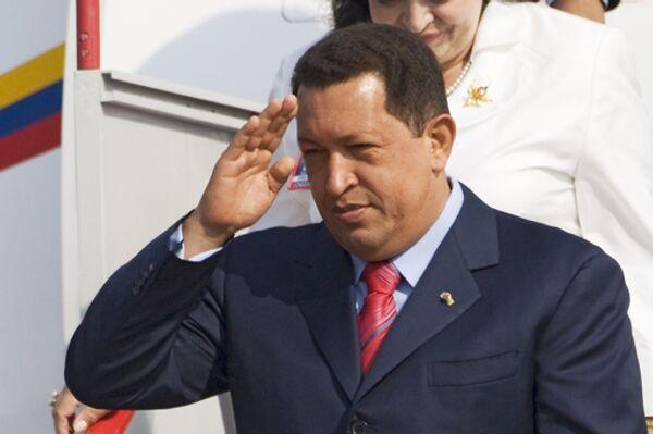 Уго Чавес заявил Обаме, что хочет быть его другом