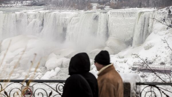 ВСША замерз Ниагарский водопад