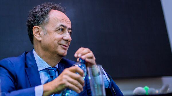Глава представительства ЕC на Украине Хьюг Мингарелли на Форуме юбилейных дней ЕС в Киеве. 28 сентября 2017