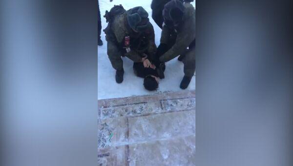 ЧП в Улан-Удэ: задержание напавшего с топором на школьников и педагога