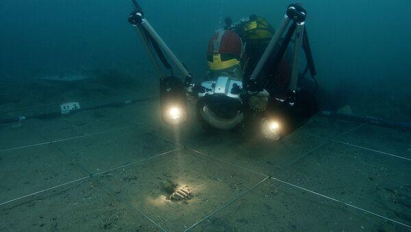 Подводные археологи за работой. Архивное фото