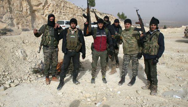 Бойцы Свободной армии Сирии (ССА), участвующие в операции в Африне. Архивное фото