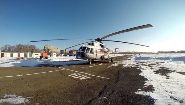 Вертолет МИ-8 Хабаровского авиационно-спасательного центра МЧС России, принимающий участие в поисках судна Восток
