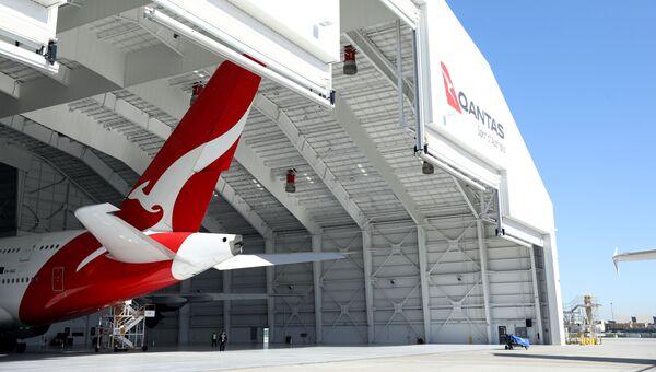Самолет компании Qantas в ангаре. Архивное фото