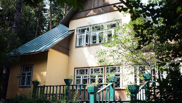 Вид на летнюю веранду дома-музея Корнея Чуковского в Переделкино