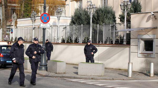 Полиция у здания посольства Израиля в Варшаве