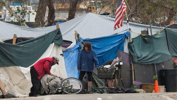 Палаточный лагерь бездомных в Анахайме, штат Калифорния. 25 января 2018