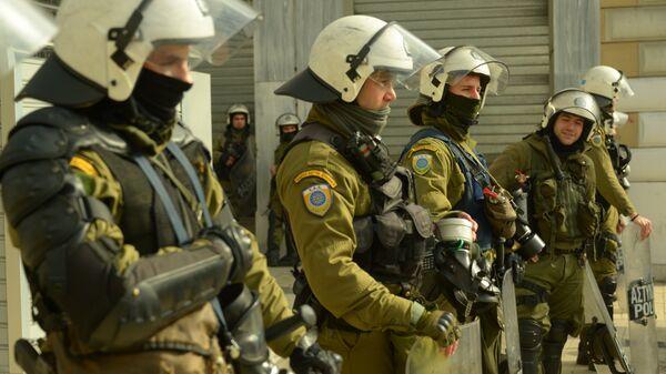 Сотрудники правоохранительных органов в Греции. Архивное фото