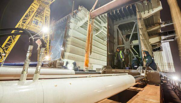 Сооружение морских пролетов Крымского моста под железную дорогу. 5 февраля 2018