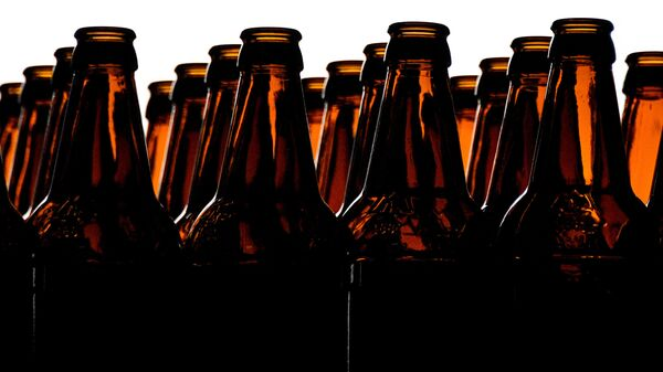 Пивные бутылки. Архивное фото