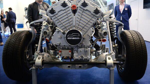 Двигатель для автомобиля высшего класса ФГУП НАМИ, предназначенный для проекта Кортеж. Архивное фото