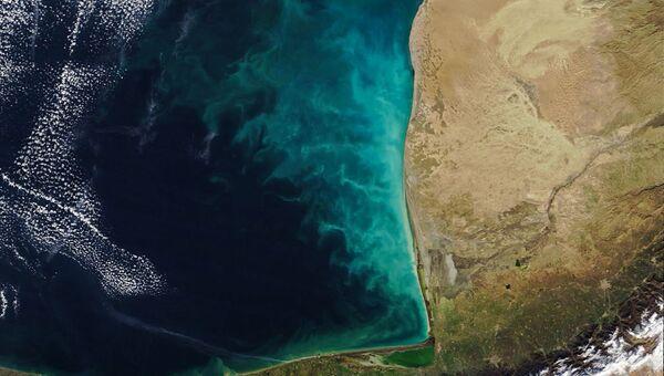 Молочный вихрь в Каспийском море