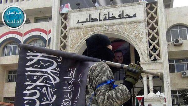 Боевик террористической группировки Джебхат ан-Нусра (организация запрещена в РФ) в Идлибе
