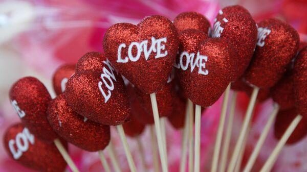 Сувениры в виде сердца ко Дню святого Валентина в Донецка
