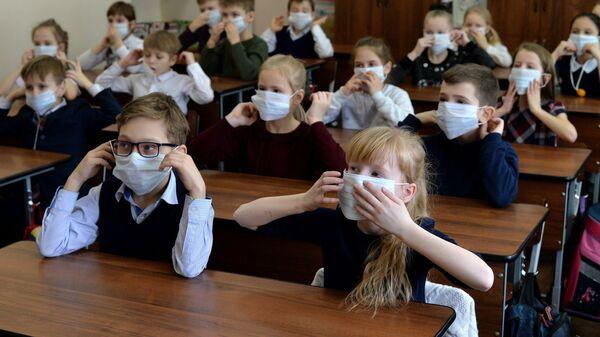 Ученики на уроке по профилактике заболевания