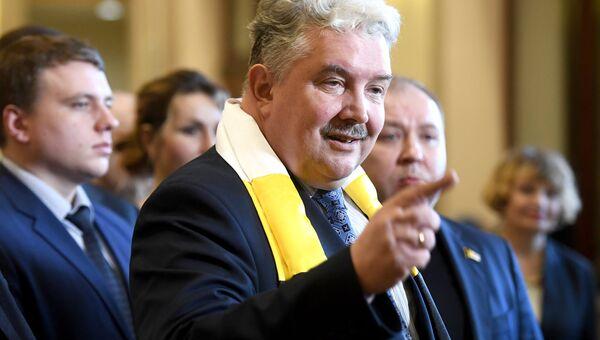 Кандидат в президенты РФ от партии Российский общенародный союз Сергей Бабурин. Архивное фото
