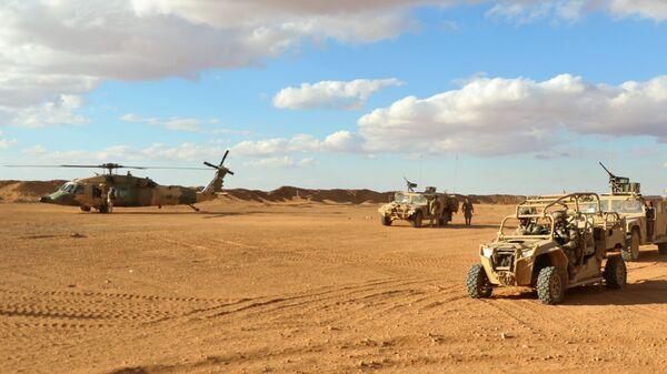 Американские военнослужащие в районе населенного пункта Эт-Танф, Сирия
