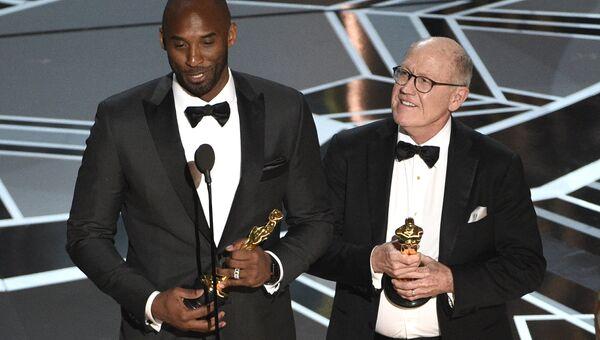 Коби Брайан и Глен Кен получают Оскар. 05.03.18