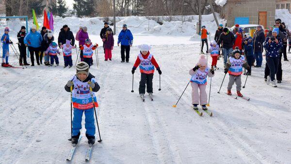 В России стартовала гонка для детей «Лыжня здоровья»