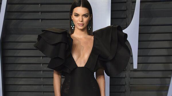 Модель Кендалл Дженнер на Vanity Fair Oscar Party. 4 марта 2018 года